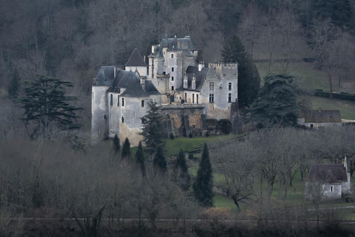 Beynac castle in winter