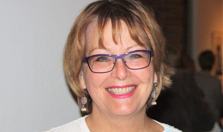 15) Donna Acheson Juillet ID photo